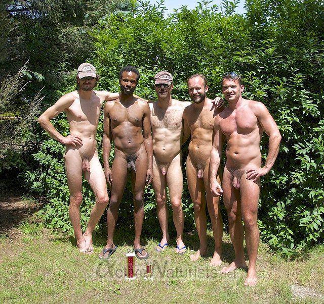 New celeb goes nude