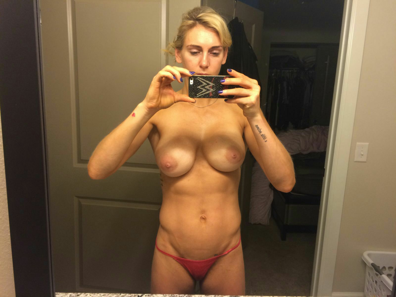Horny phat pussy babes