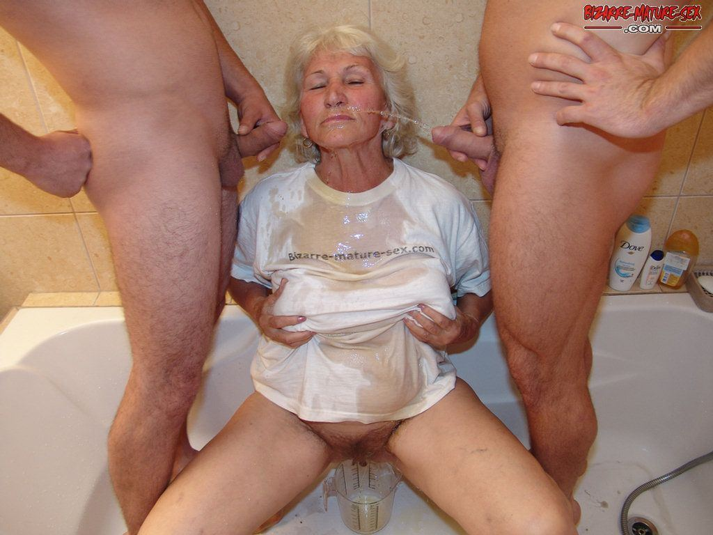 Mature sex pissing