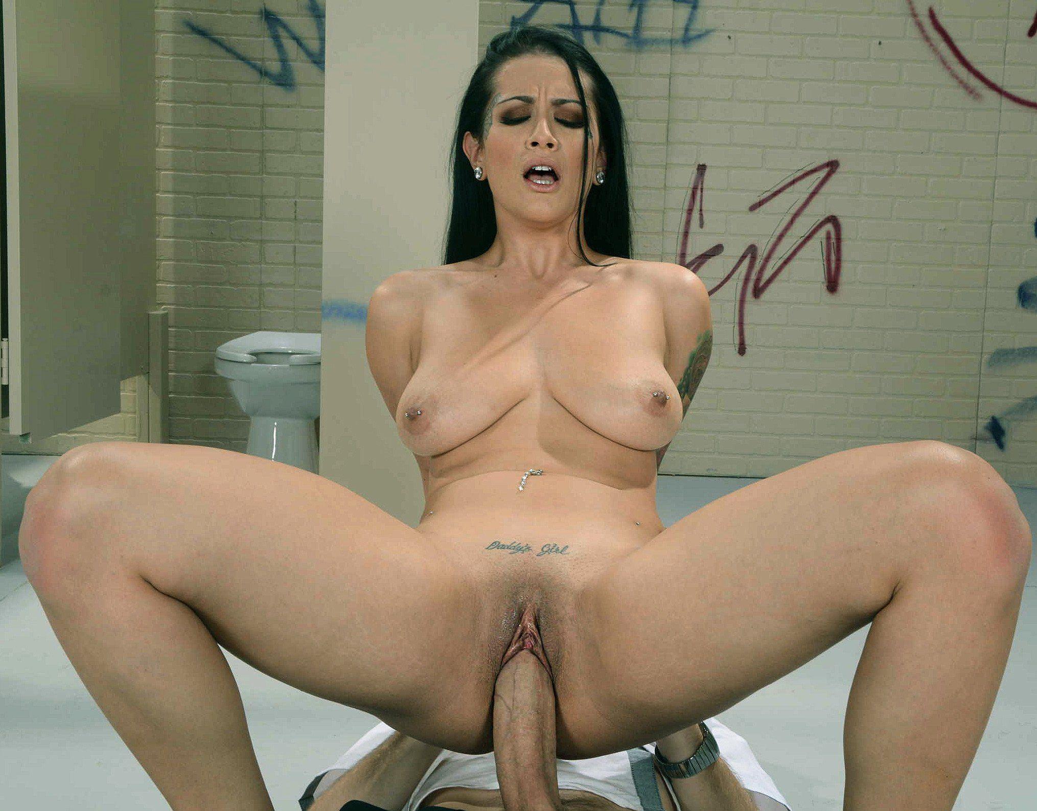 Nice ebony tits