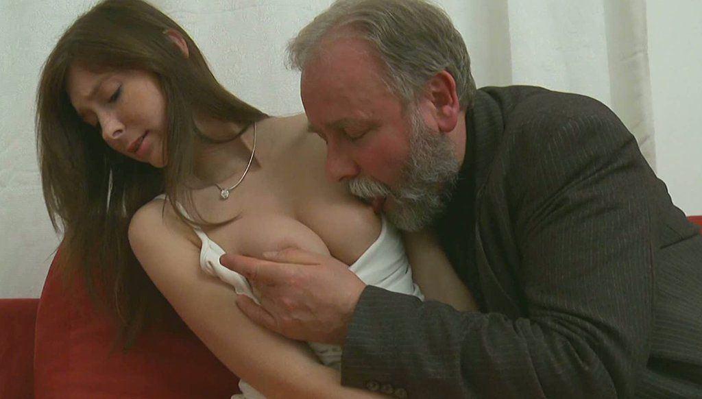 Major L. reccomend Older man licks a yound girls pussy