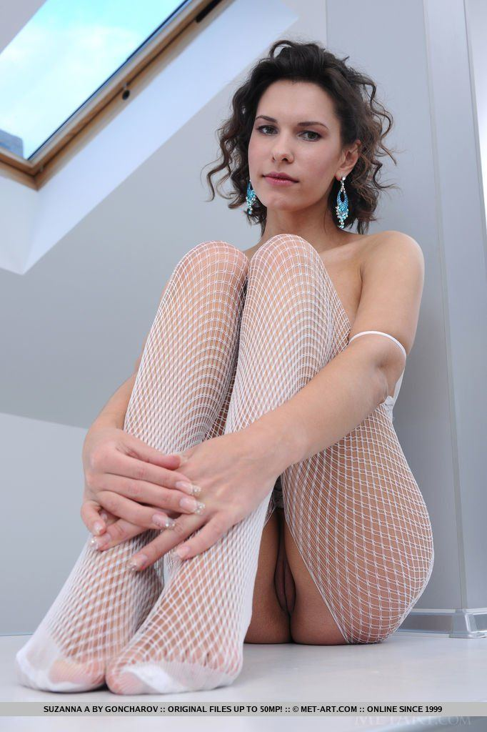Banjo H. reccomend Wide open pantyhose legs pics