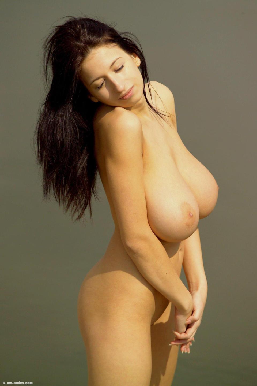 PAULETTE: Best naked female models