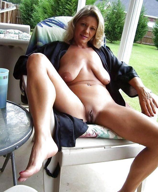 Biscuit reccomend Cougar nude upskirt pictures