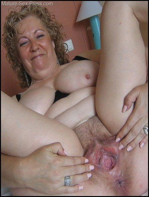 Watching My Mature Wife Mmf