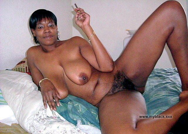African house wives naked