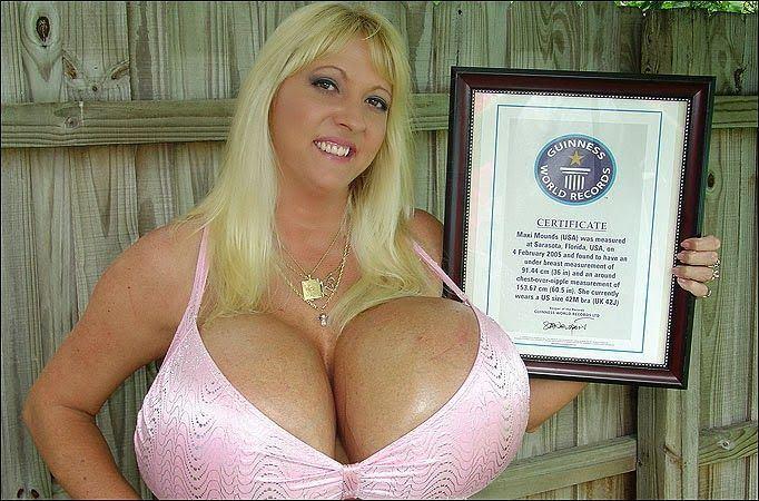 Shakira fakes ass butt hot
