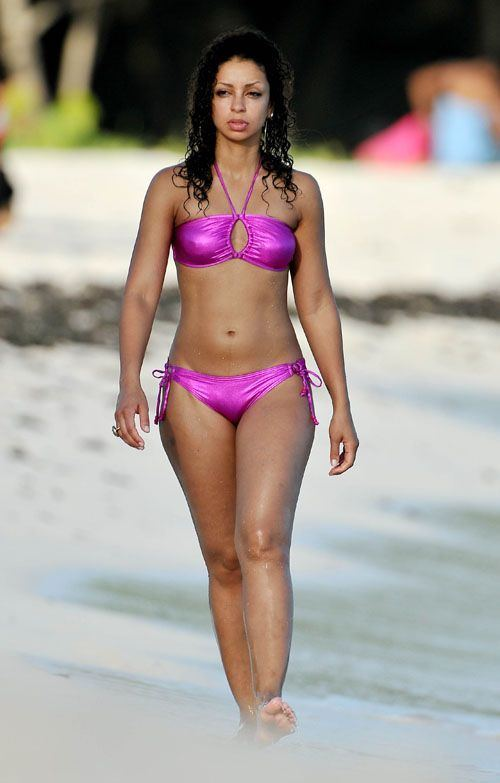 Kelly harrison bikini pictures