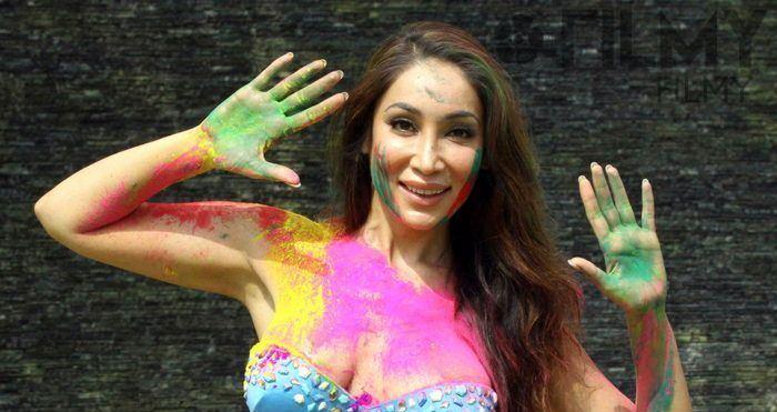 Starburst reccomend Pak model hot nude photo shoot