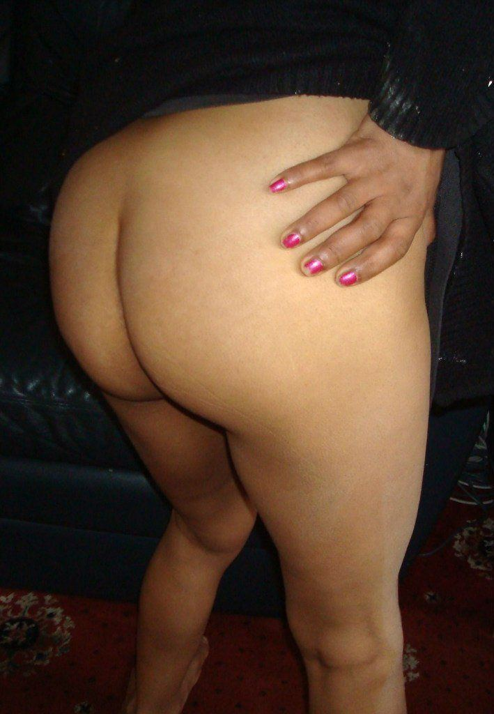 Sexy aunties hot buttocks
