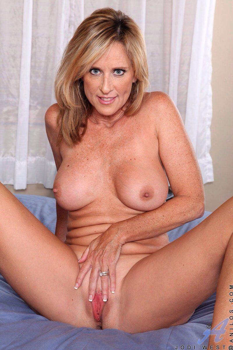 Older woman nudest photos