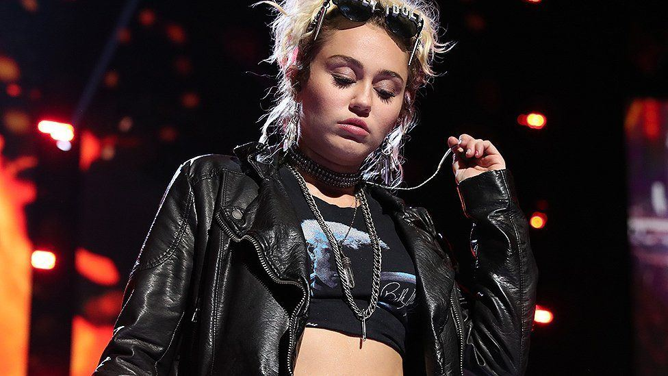 Is miley cyrus really gay