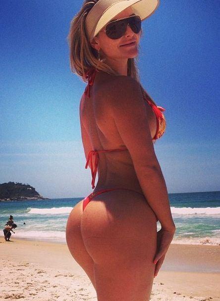 Big bikini butts