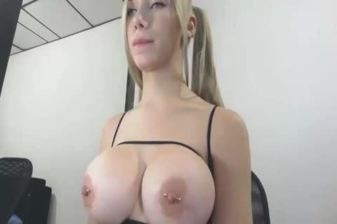 Amateurs flashing their tits
