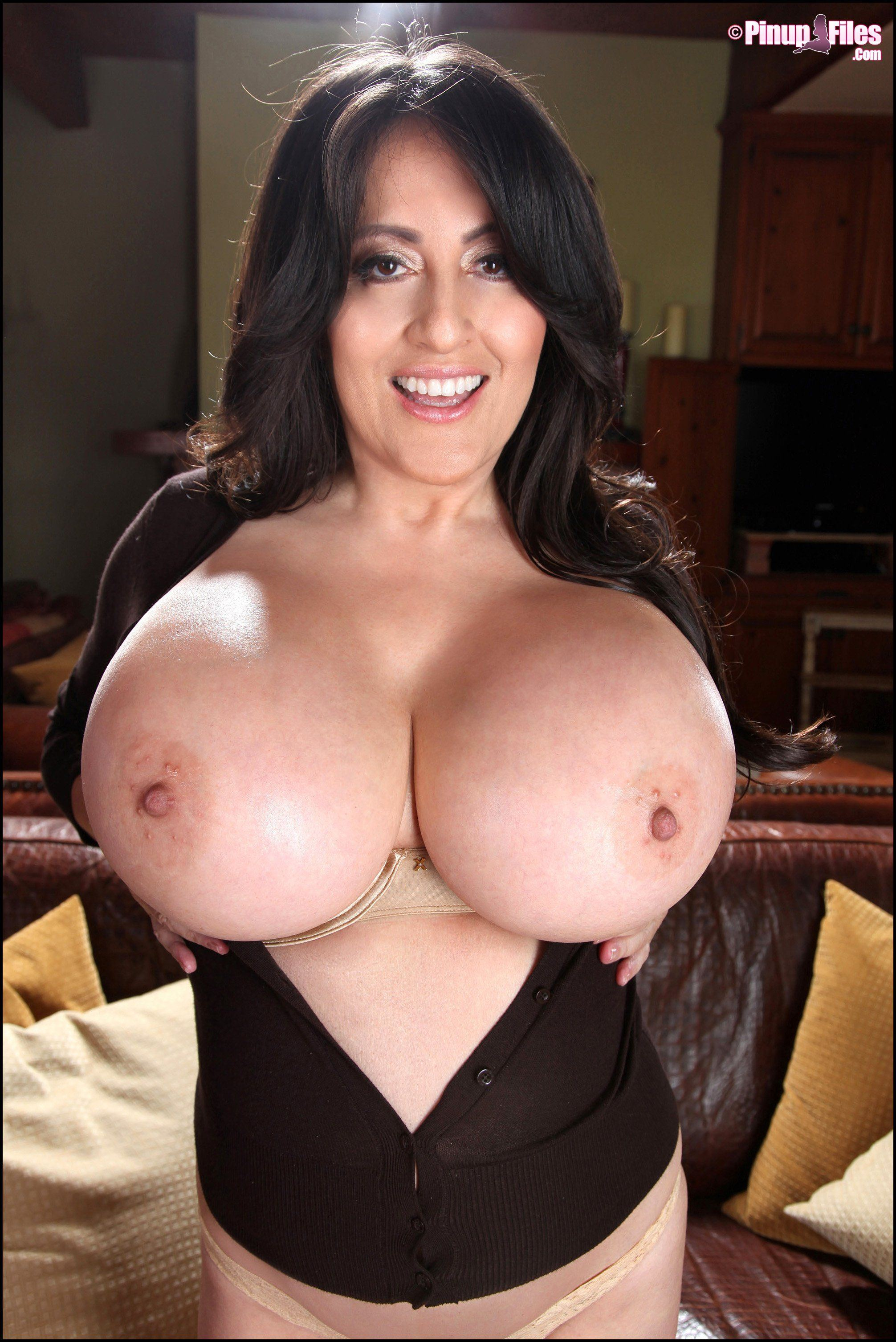 Sandstorm reccomend Antonella kahllo big boobs