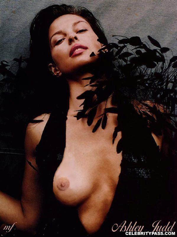 Ashley judd posing nude