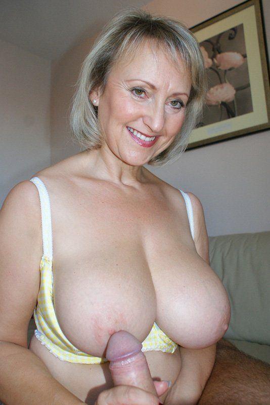 Naked peruvian lesbian pics